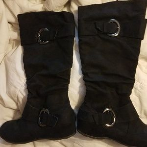 JOUNEY COLLECTION BUCKLE BOOTS